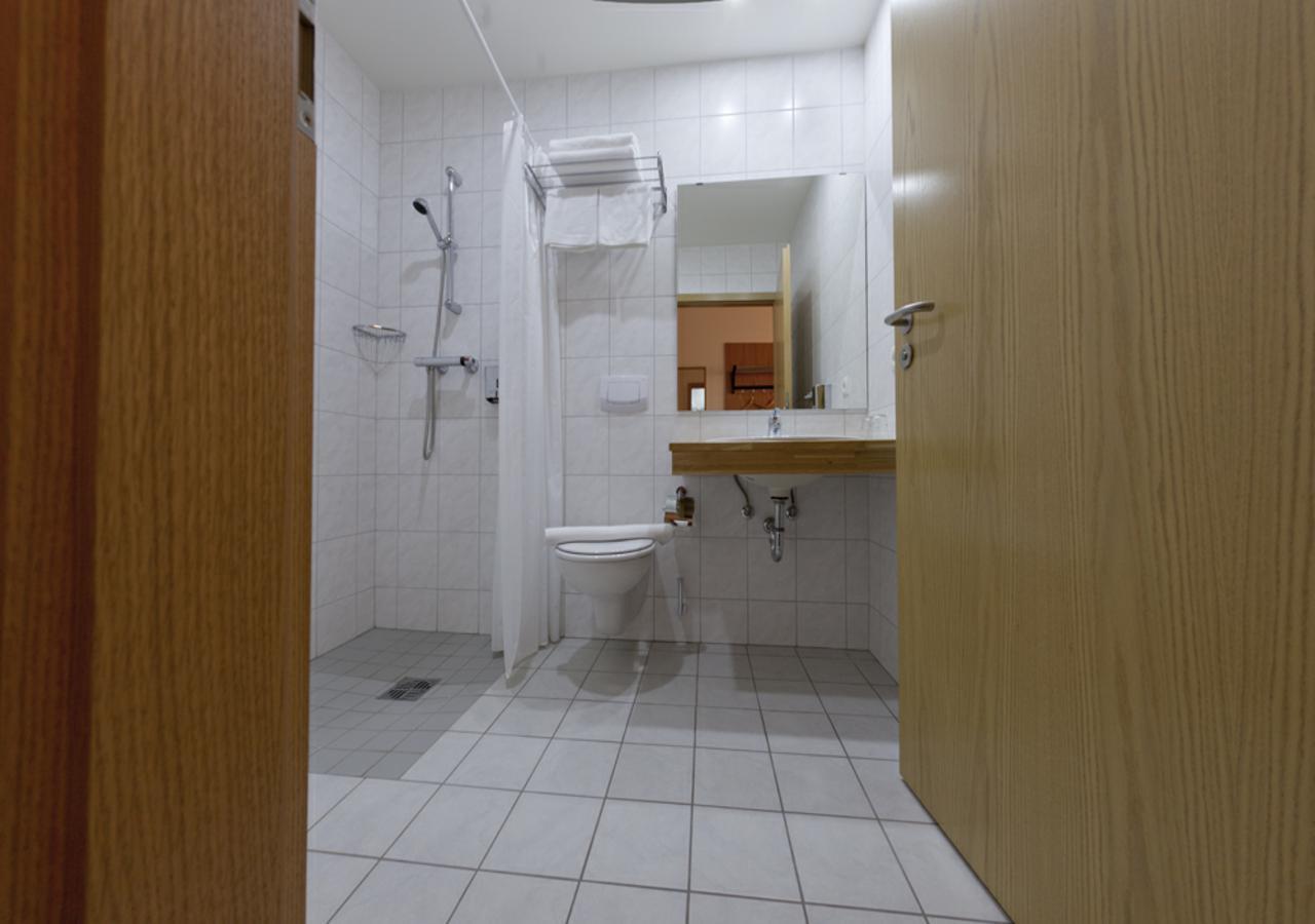Hotel Aurora Star - Bathroom